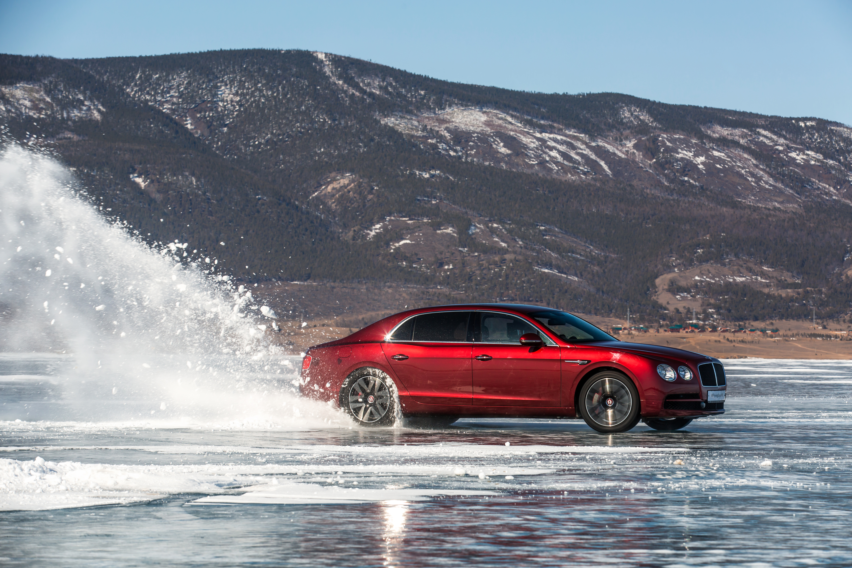 Bentley Flying Spur V8_Dynamics_on Baikal Ice